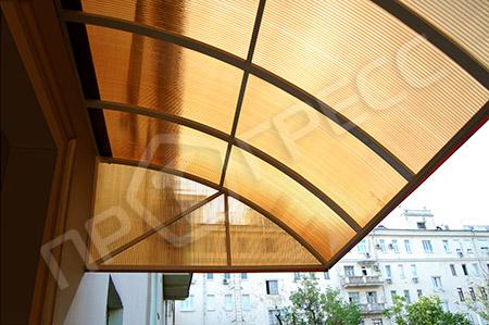 Козырек на балкон из прозрачного карбоната